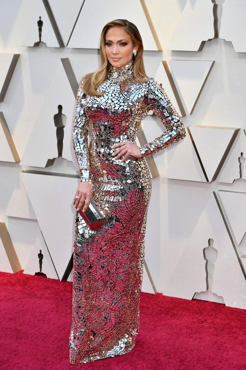 d812b23fe13 Jennifer Lopez wears glitzy Tom Ford for the 2019 Oscars