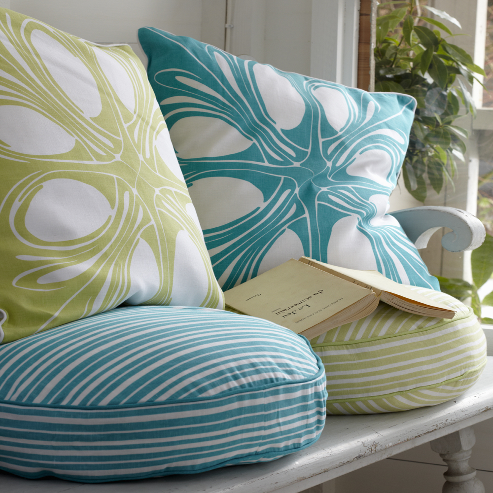 Pillow Forms | Pillow Inserts: outdoor pillows simplified