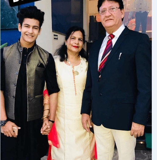 Manjul Khattar With His Parents