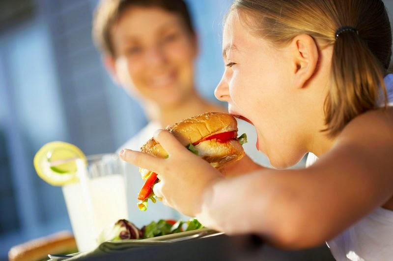 Mengejutkan, saat Burger Cepat Saji dicerna di lambung kita