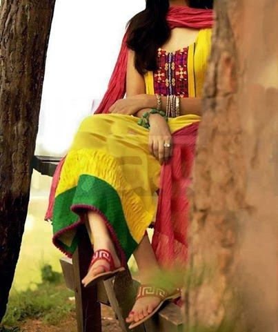 girl yellow dress dp