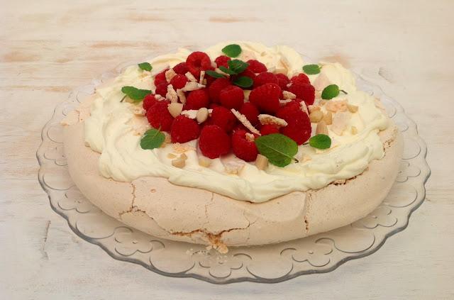 pavlova-de-frambuesas, raspberry-pavlova