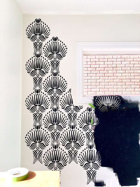 Tips to stencil a wall - one room challenge