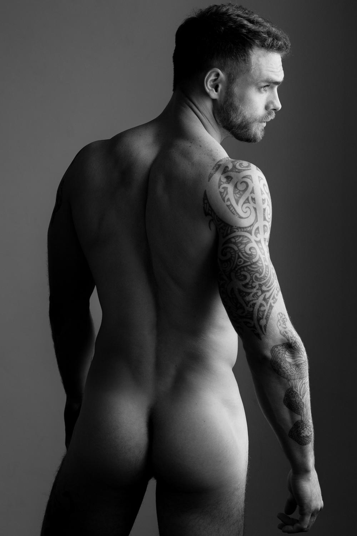Naked romeo
