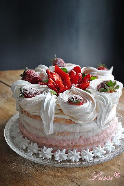 Бърза ягодова торта за начинаещи / Easy strawberry cake for beginners