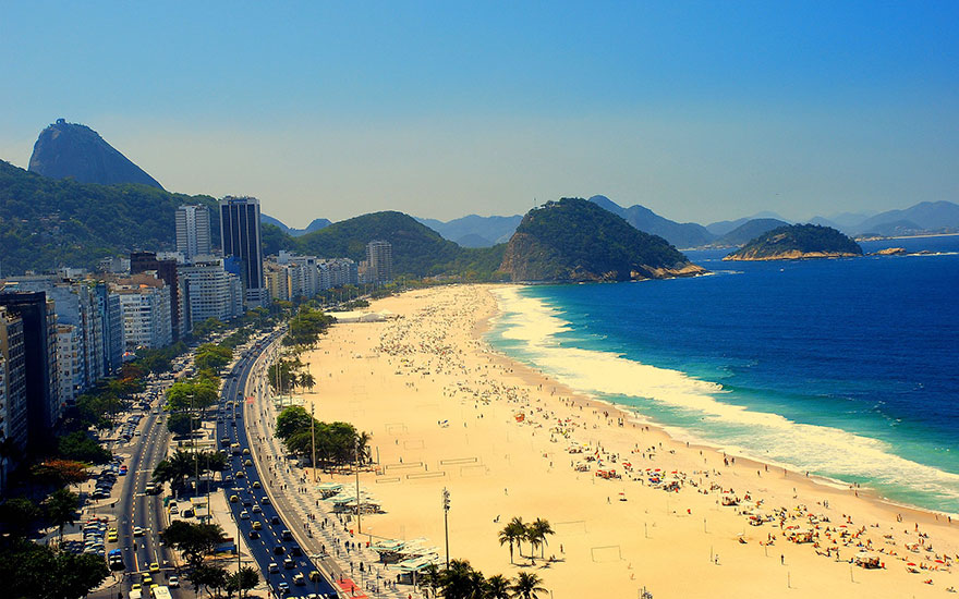 Travel Expectations Vs Reality (20+ Pics) - Sunbathing In The Famous Beach Of Rio De Janeiro, Brazil