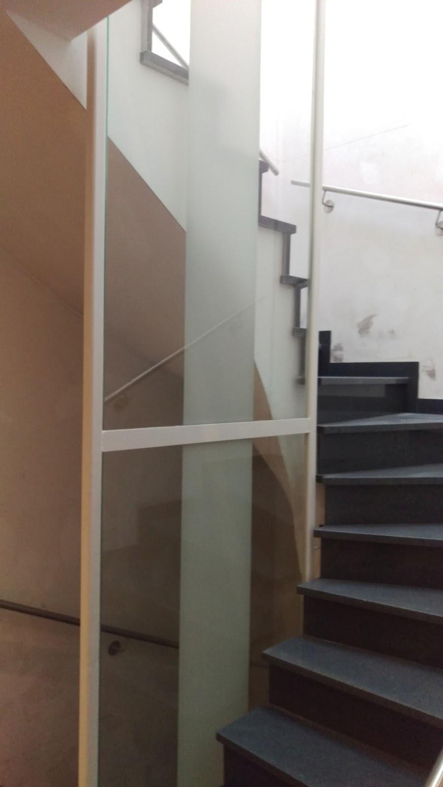 treppengel nder aus glas fr bel metallbau. Black Bedroom Furniture Sets. Home Design Ideas