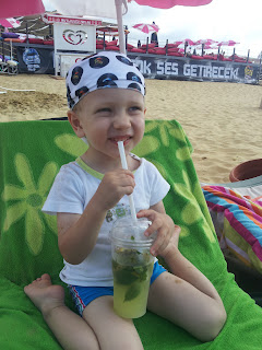kumsalda limonata keyfi, Kilyos Burc Beach