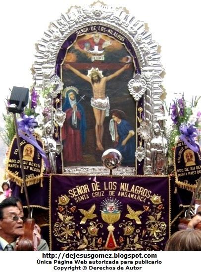 Foto de la Procesión del Señor de los Milagros tomada por Jesus Gómez
