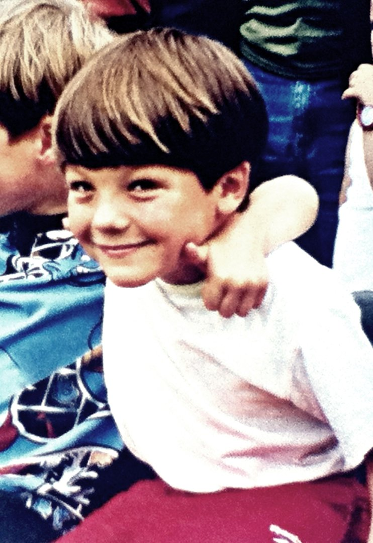 One Direction Louis Tomlinson Biography Facts