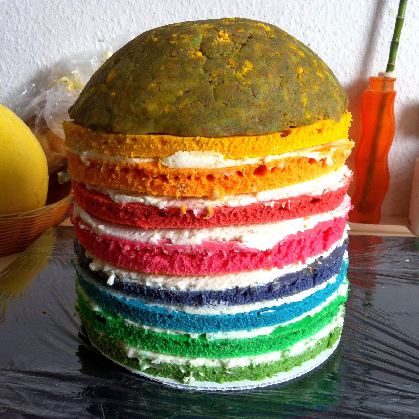 Lanisleckerecke R2d2 Regenbogentorte