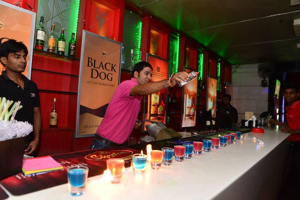 best bar for singles