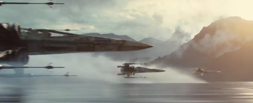 L'escadron de X-Wing survole la mer