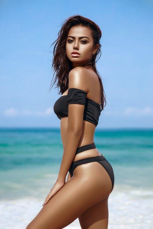 Ilya Bukowski arte fotografia fashion mulheres modelos biquinis roupas de banho praia beleza Dorothy Petzold
