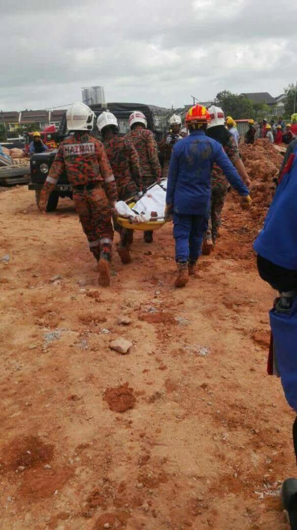 GAMBAR Pekerja Mati Tertimbus, DAP Jangan Salahkan Tuhan Sekali Lagi! #LawanDAP #DAP