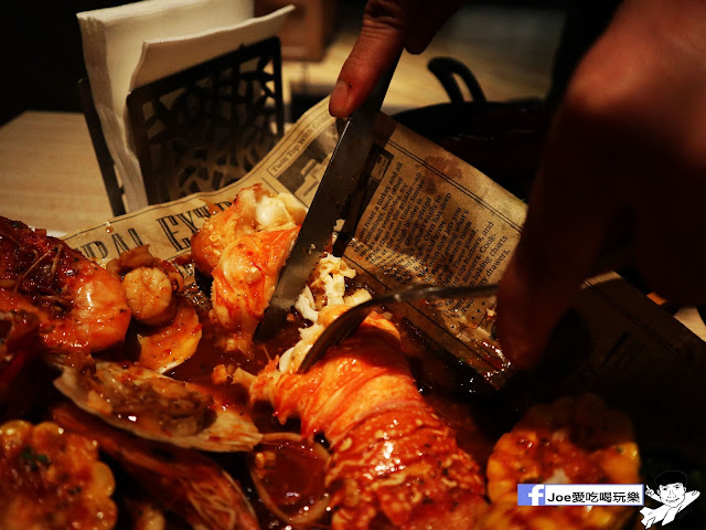 IMG 3769 - 熱血採訪│鐵克諾南洋風味手扒海鮮拼盤超豐盛!搭配超厚龍蝦痛風都快發作了