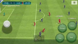 Download Pro Evolution Soccer PES 2017 v1.0.0 Apk [Update Controller]