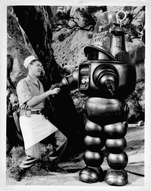 Robby le robot et le cuisinier( Earl Holliman)