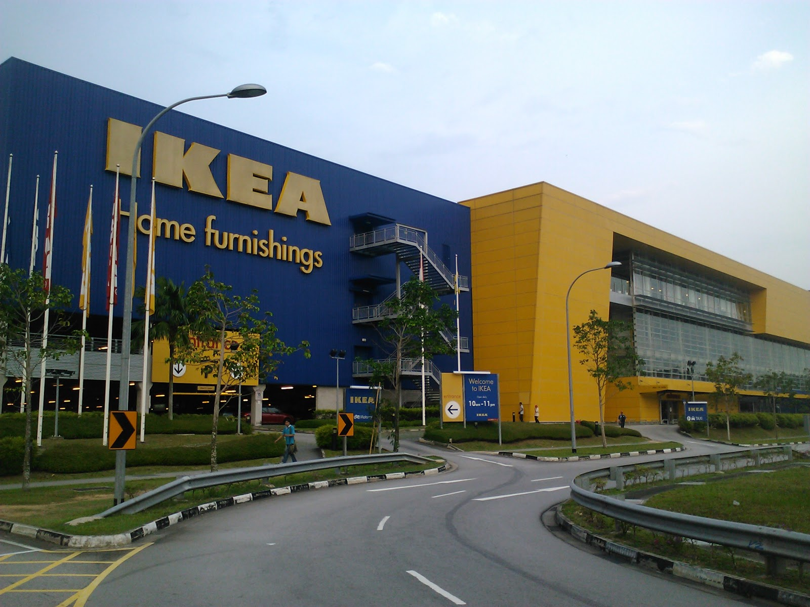 The Next Part Of Tampines Retail Park Is Ikea A Por Swedish Furniture Retailer And Unlike Conventional Retailers Has This
