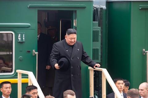 Kim Dzsong Un páncélvonata áthaladt az orosz határon