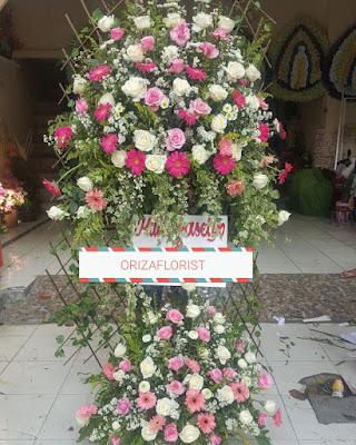 beli bunga online surabaya, pesan bunga online surabaya, jual bunga plastik online surabaya