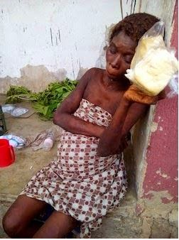 mad-woman-gives-birth-in-lagos