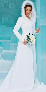 unique-winter-wedding-dress-with-hat