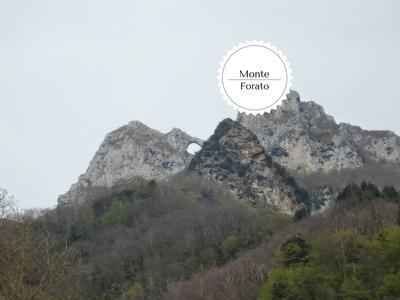 trekking da Pomezzana al Monte Forato: veduta del monte da Cardoso
