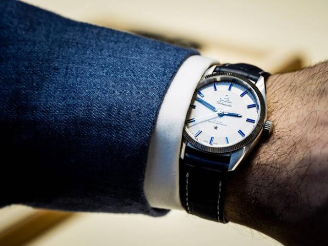 Đồng hồ Omega quả cầu