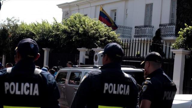 Venezuela denuncia ingreso de 'ladrones' a su embajada en San José
