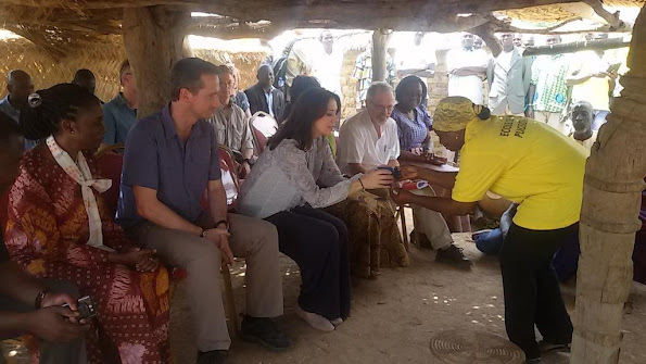 Crown Princess Mary of Denmark and foreign affairs minister Kristian Jensen started a 2 day visit to Burkina Faso