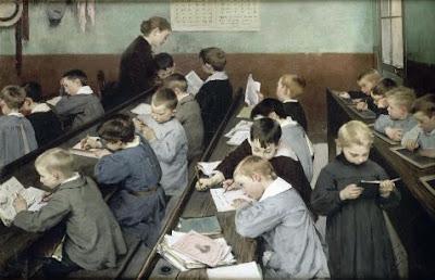 """""""En classe, le travail des petits"""" de Henri Jules Jean Geoffroy, 1889 (collection Munaé)"""