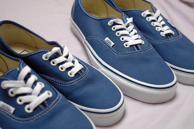 Buy blue vans on feet > 52% OFF!