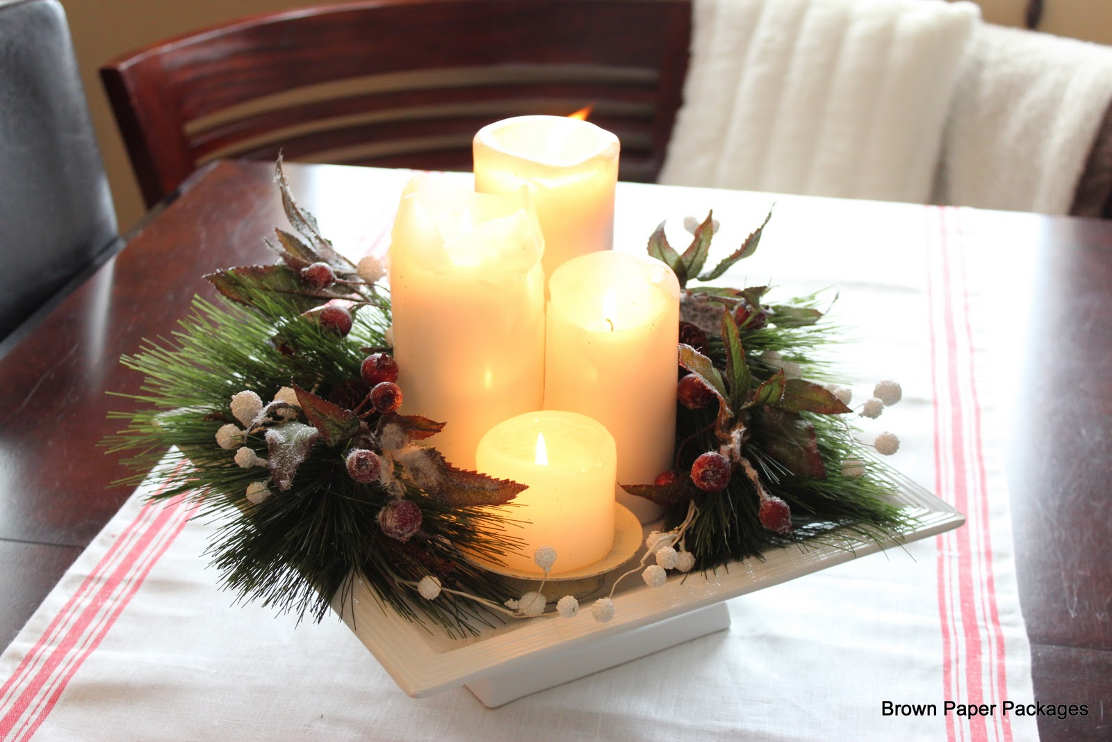Brown paper packages my super simple christmas table - Simple christmas table settings ...