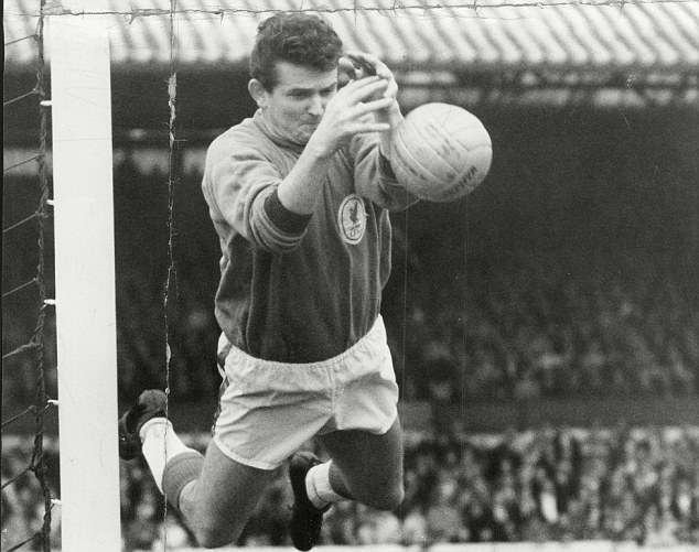 rip Tommy Lawrence: former Liverpool and Tranmere goalkeeper dies