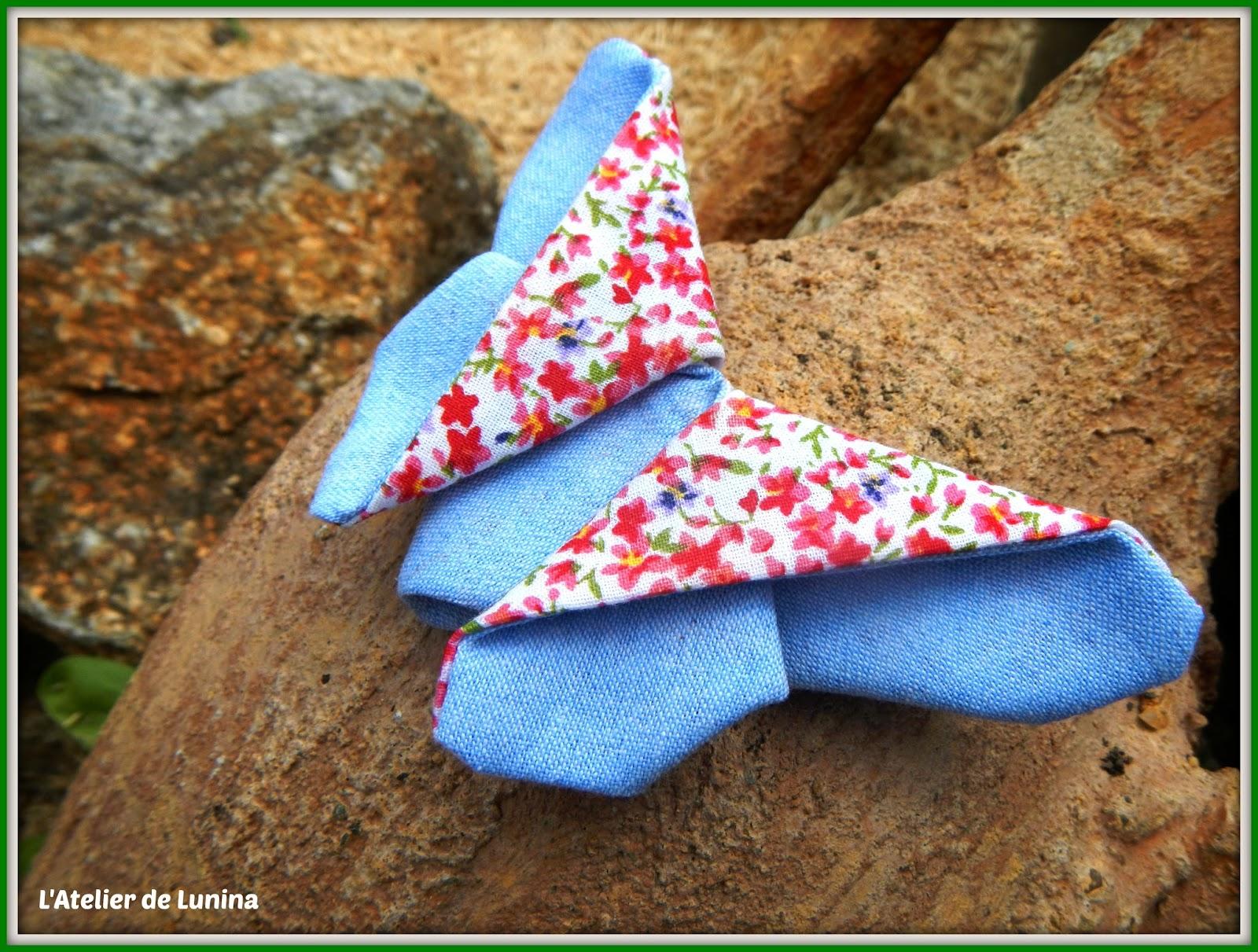 l 39 atelier de lunina couture broche papillon origami en tissu. Black Bedroom Furniture Sets. Home Design Ideas
