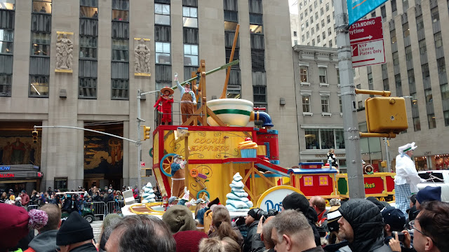 Парад Macy's до Дня Подяки, Нью-Йорк (Macy's Thanksgiving Day Parade, New York City, NY)