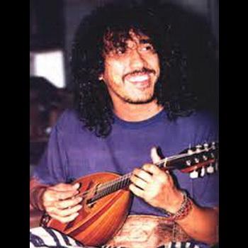 gambar Iwan Fals ukulele