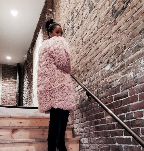 pink faux fur | Happy Weekend 34 images of inspiration in rose gold {Cool Chic Style Fashion}