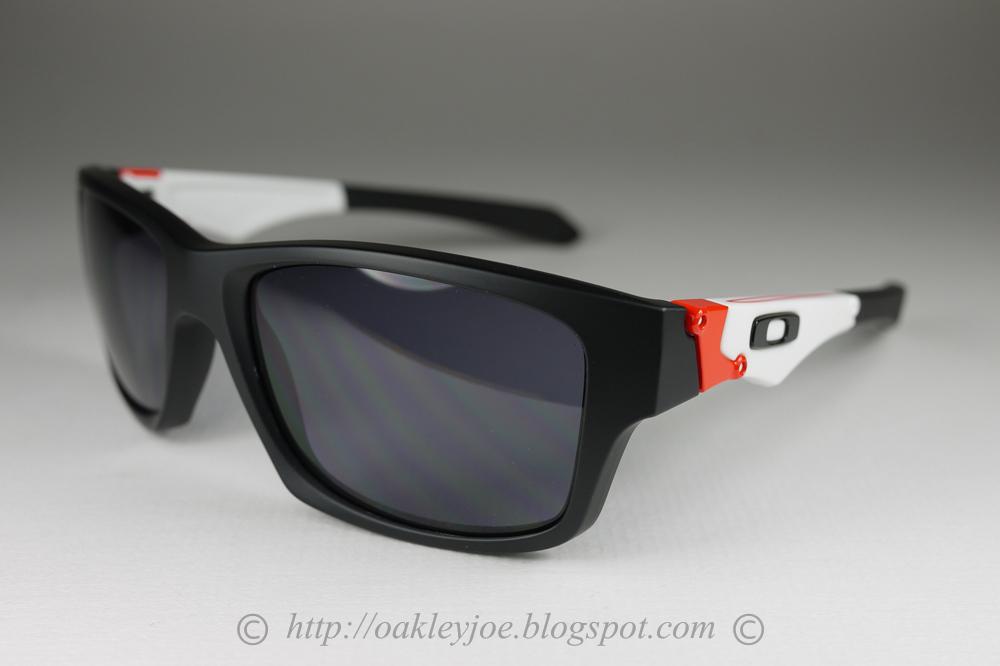 acebd199cc Oakley Jupiter Squared Matte Black Polarized
