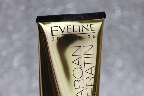 Arganowa odżywka Eveline 8w1 na porowatych włosach - czytaj dalej »