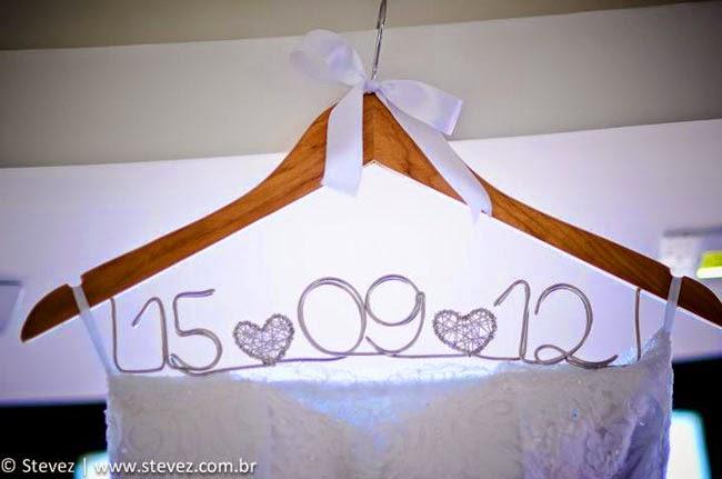 Ideias criativas casamento - cabide personalizado