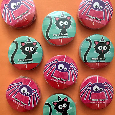 fun, easy, & quick non-candy Halloween treat idea + free printable Halloween tag