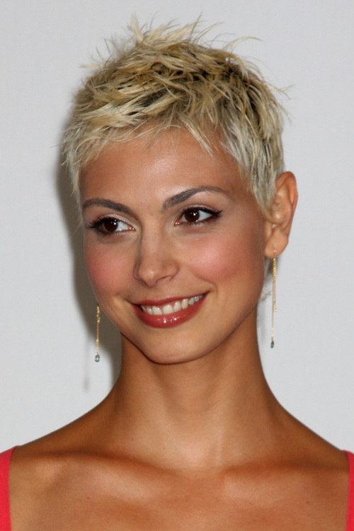 messy pixie women hairstyle