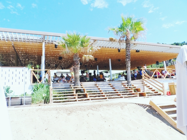 Pazuzu beach bar Glifada plaza Krf