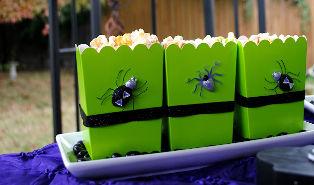 DIY popcorn boxes: Just add ribbon and stickers