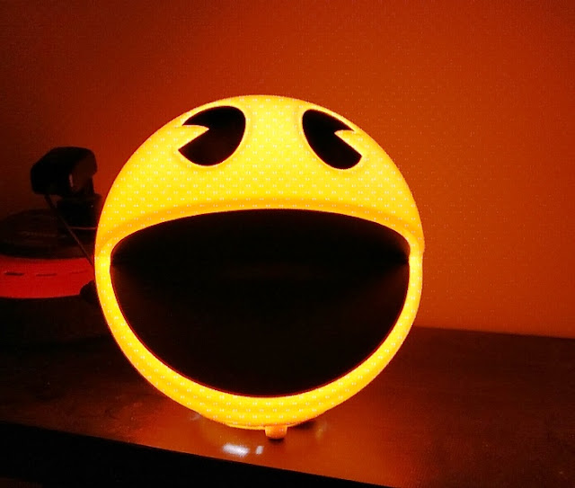 retro pacman lamp with 12 in game sound effects gadget explained