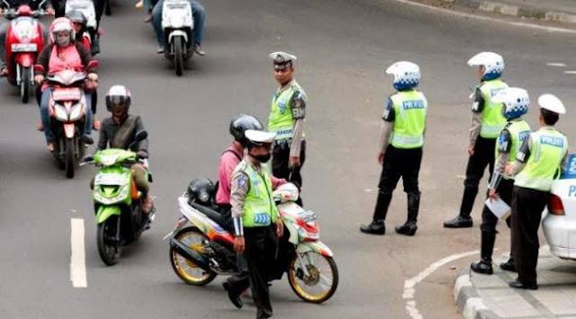 Himbauan!!! Jangan Mau Dirazia Jika Polisi Tidak Memenuhi 5 Syarat Berikut