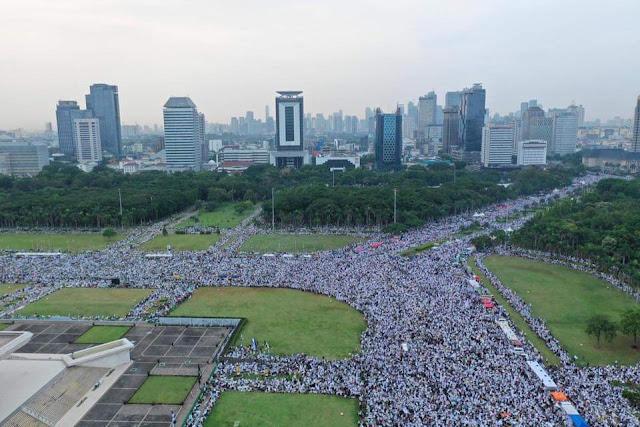 Arus Massa Reuni Mengalir Sejak Malam, Bisa Lebih Besar Dari Aksi 212