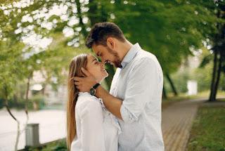 Tips Kencan Pria- Bagaimana Cara Menjadi Romantis